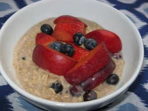 Fruit topped oats