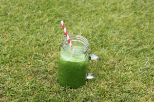 Kale & pineapple smoothie2
