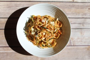 zoodle with red pepper sauce1